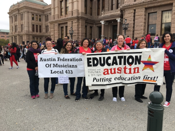 AFM Local 433 Marches in Solidarity with AFT Texas State Teachers' Association